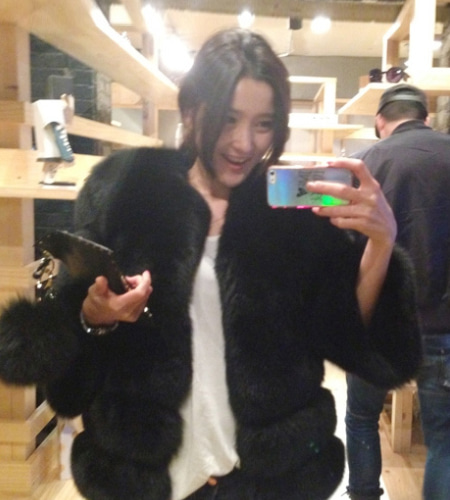 luxe label  chic! saga fox fur jacket